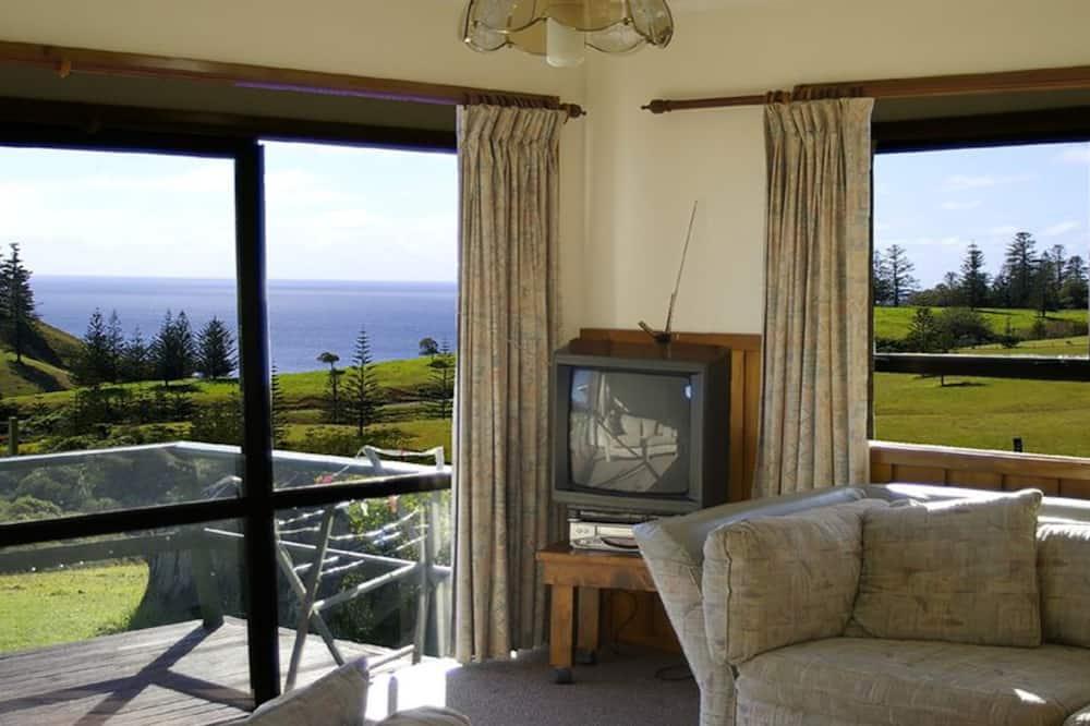 Standard Apart Daire, 2 Yatak Odası, Sigara İçilmez, Küçük Mutfak (2 Bdr OceanView Cottage) - Oturma Alanı