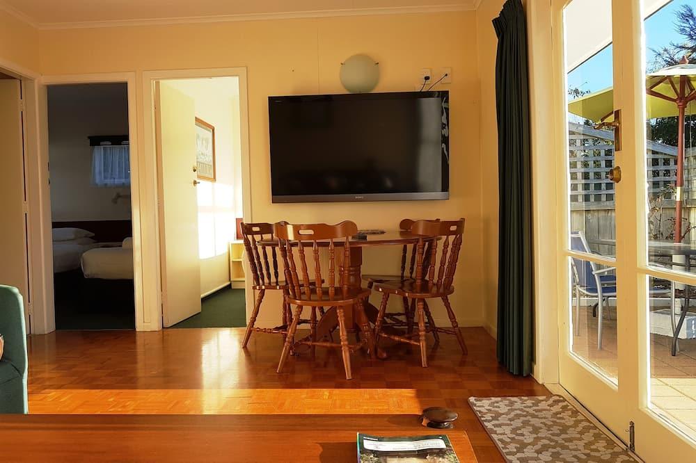 Perhehuoneisto, 2 makuuhuonetta - Ruokailu omassa huoneessa
