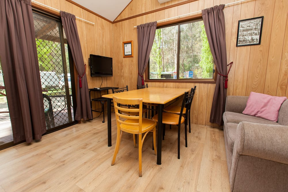 Kelly's Cottage - Living Area