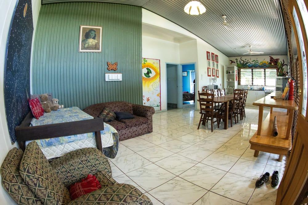 Standard Δωμάτιο, 3 Υπνοδωμάτια, Κοινόχρηστο Μπάνιο (HomeStay) - Γεύματα στο δωμάτιο