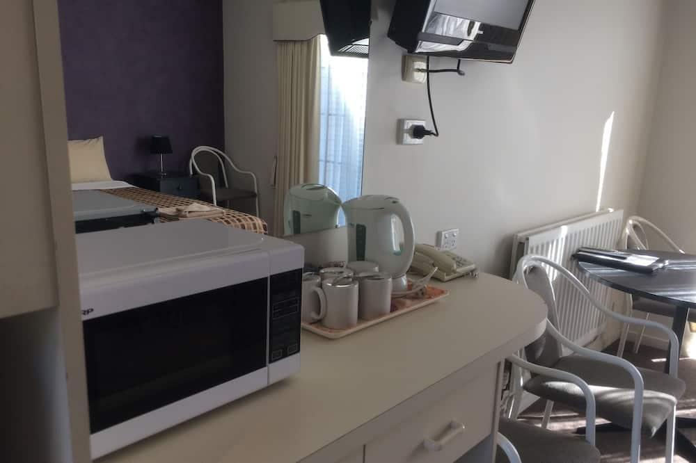 Standard Room, 2 Bedrooms - In-Room Dining