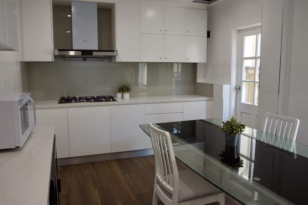 Dvojlôžková izba, súkromná kúpeľňa - Spoločná kuchyňa