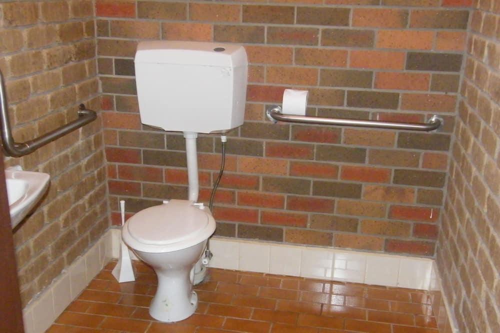 Familiekamer, niet-roken, gemeenschappelijke badkamer - Badkamer