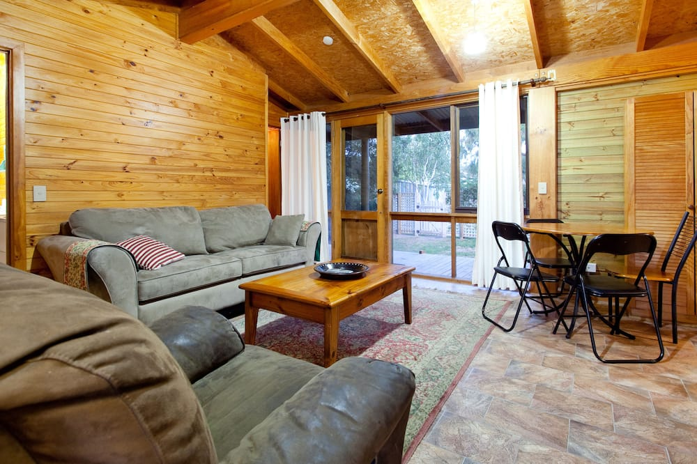 Blairgowrie - Family Beach Cottage - Living Area