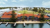 Paynesville hotels,Paynesville accommodatie, online Paynesville hotel-reserveringen