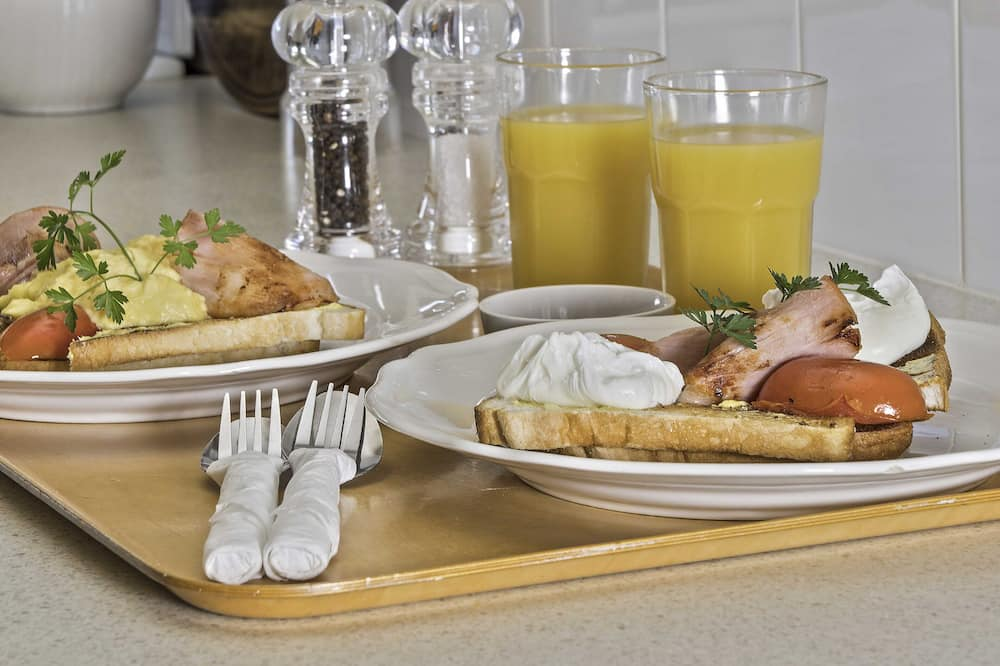 Rom – standard, 1 queensize-seng - Bespisning på rommet