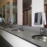 Standard Μικρό Σπίτι, Κοινόχρηστο Μπάνιο (Shared Kitchen) - Μπάνιο