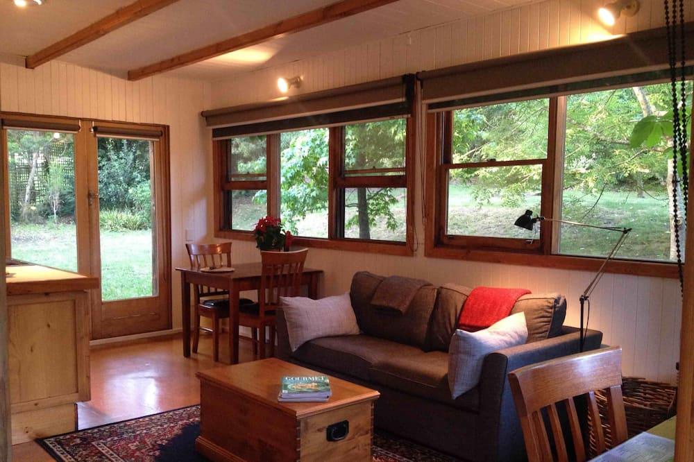 Jim's Cottage - Living Area