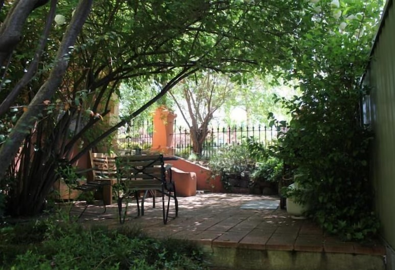 Ellstanmor Guest House, Cooma, Terassi/patio
