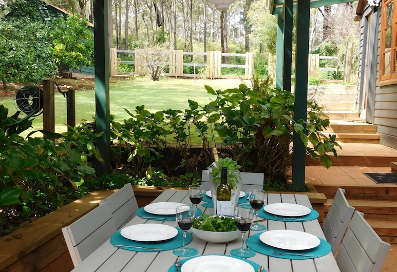 Edge of the Forest, Margaret River, Classic Cottage, 4 Bedrooms, Garden View, Garden Area, Terrace/Patio
