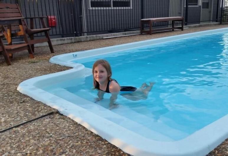 小精靈山鄉村旅館, 波高爾賓, 室外泳池