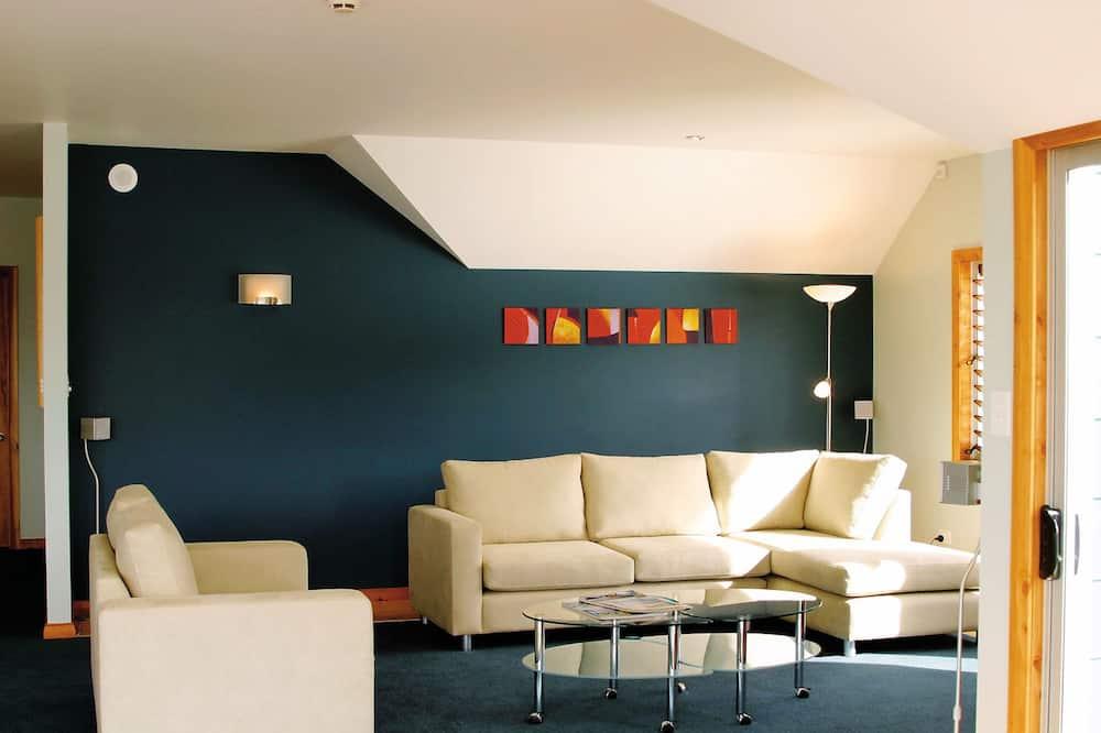 Standard Apartment, 2 Bedrooms, Kitchen (The Bridge) - Ruang Tamu