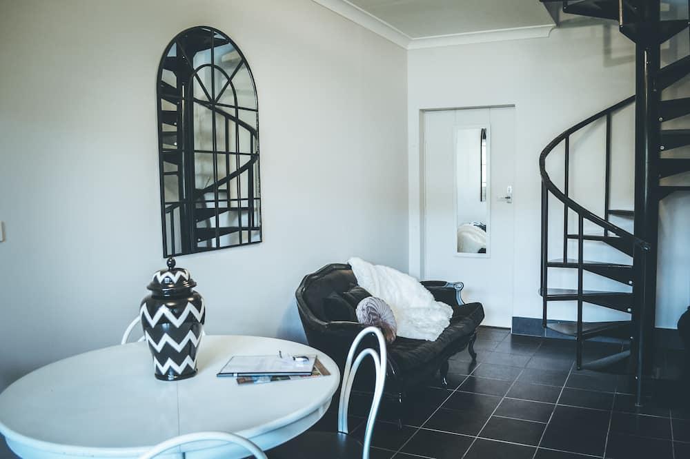 Studio Standard, non-fumeurs, coin cuisine (The Loft Suite) - Coin séjour
