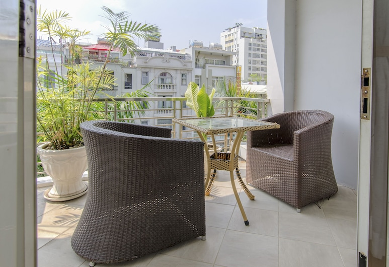 Vien Dong Hotel Phu My Hung, Ho Chi Minh City, Deluxe Suite, Balcony