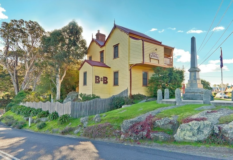 Two Story Bed and Breakfast, Central Tilba