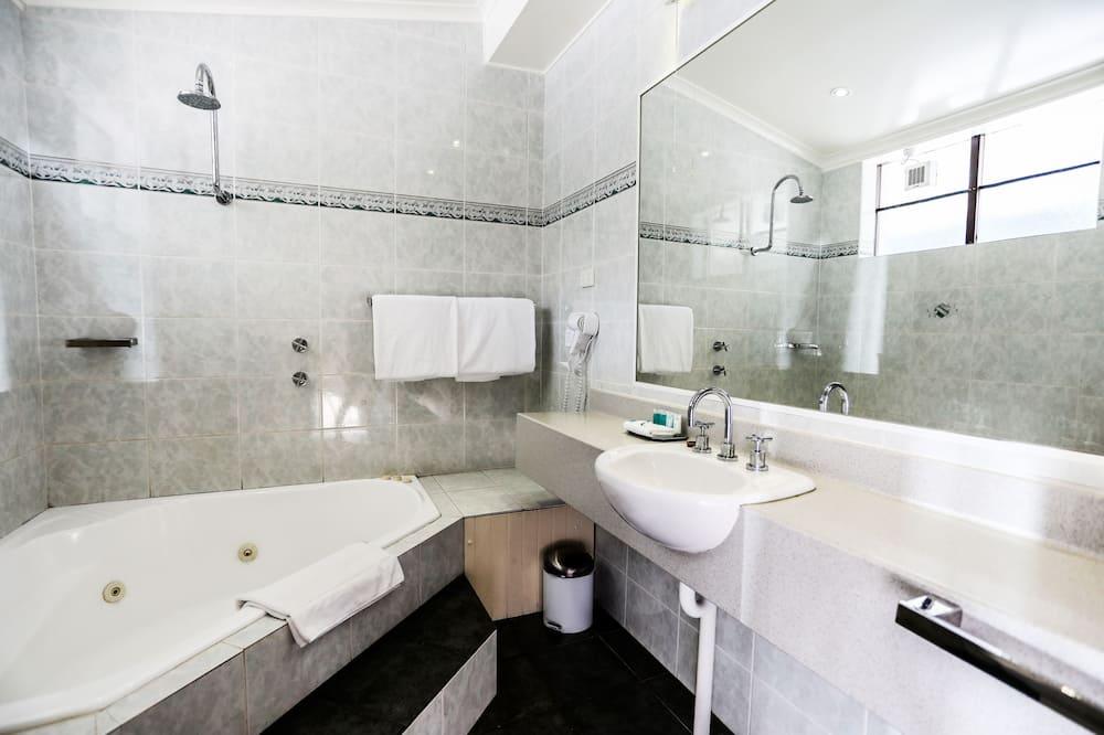Superior-Zimmer, Parkblick, zum Garten hin - Badezimmer