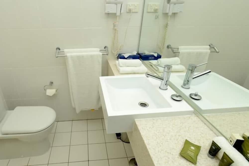 Standard Suite, 2 Bedrooms, Non Smoking, Balcony (Villa) - Bilik mandi