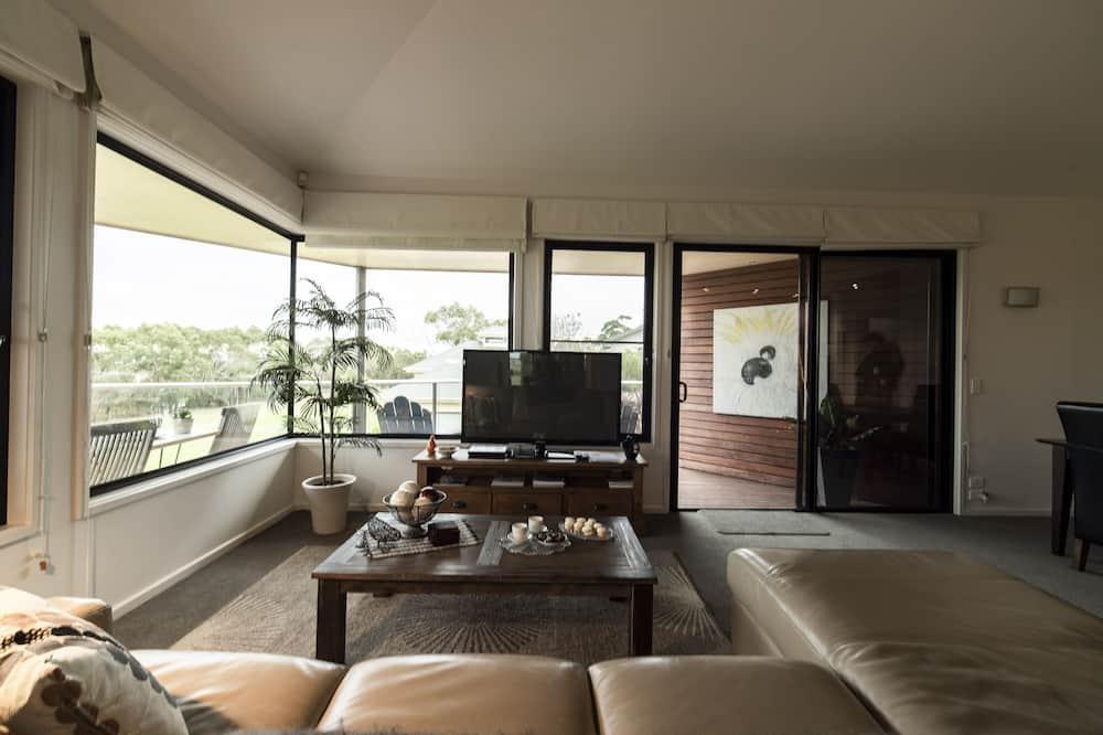 Luxury Spa Apartment - Living Area