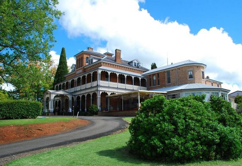 Duntryleague Guesthouse, Orange, Hotel Front