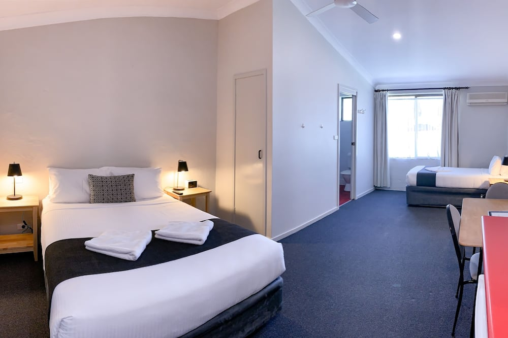 Standard Queen Twin - Guest Room