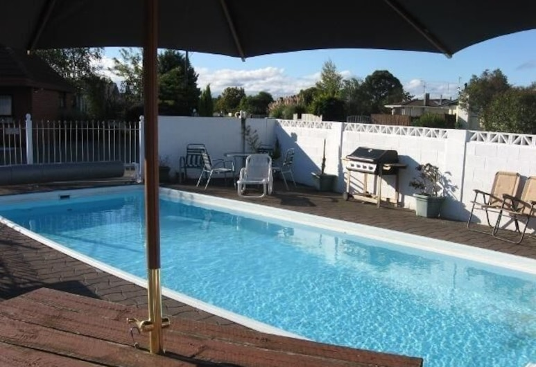 Ace High Motor Inn, Napier, Pool