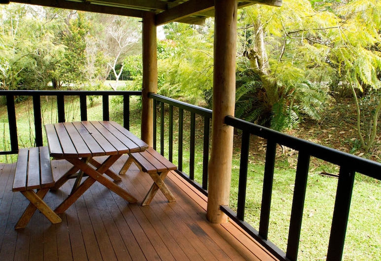 Lake Eacham Tourist Park & Self Contained Cabins, Lake Eacham, Standard Suite, 1 Bedroom, Non Smoking, Kitchen (Blue Cottage), Terrace/Patio