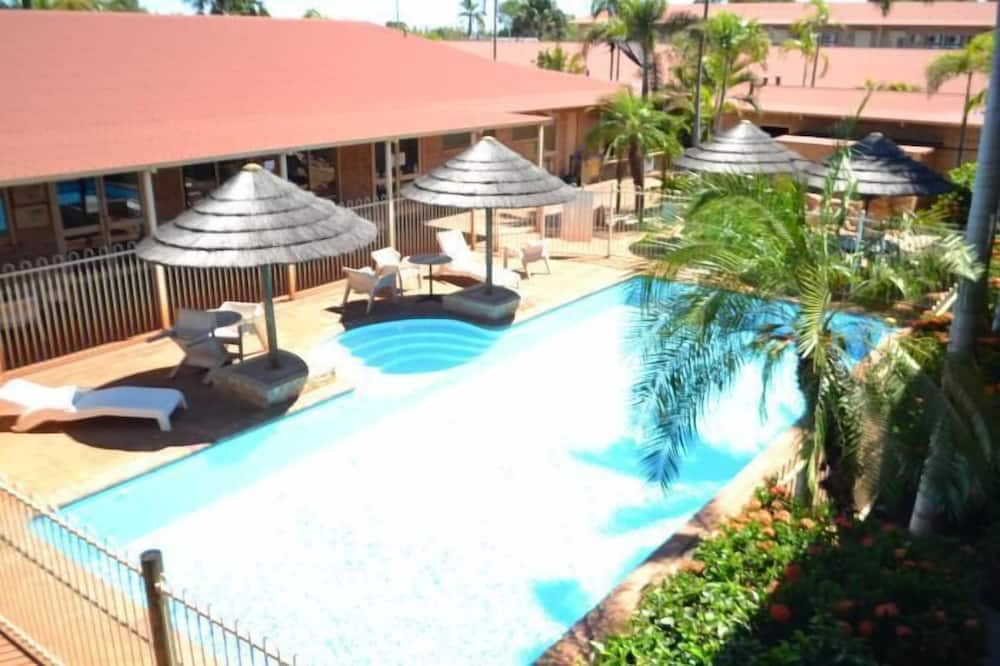 The Lodge Motel