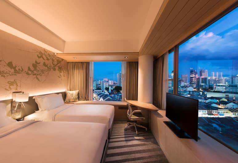 Hilton Garden Inn Singapore Serangoon, Singapore, Deluxe Twin Room, Corner, Guest Room