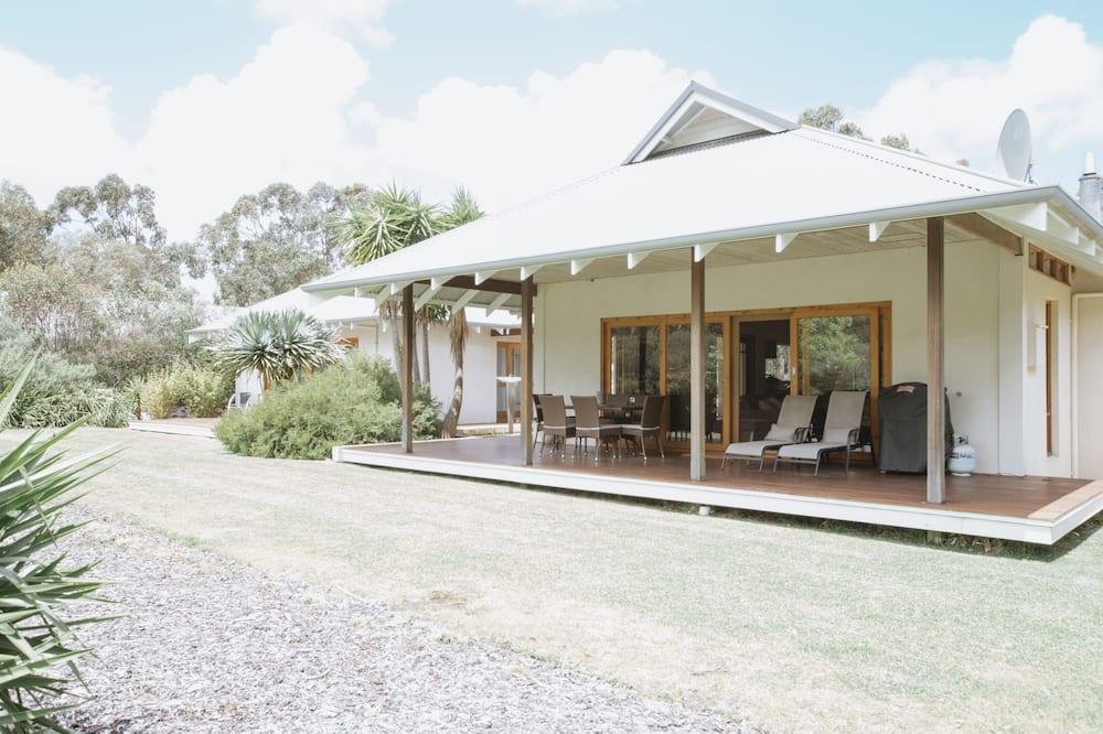 Villa, 2 slaapkamers, 2 badkamers, uitzicht op tuin (Luxury Villa) - Terras