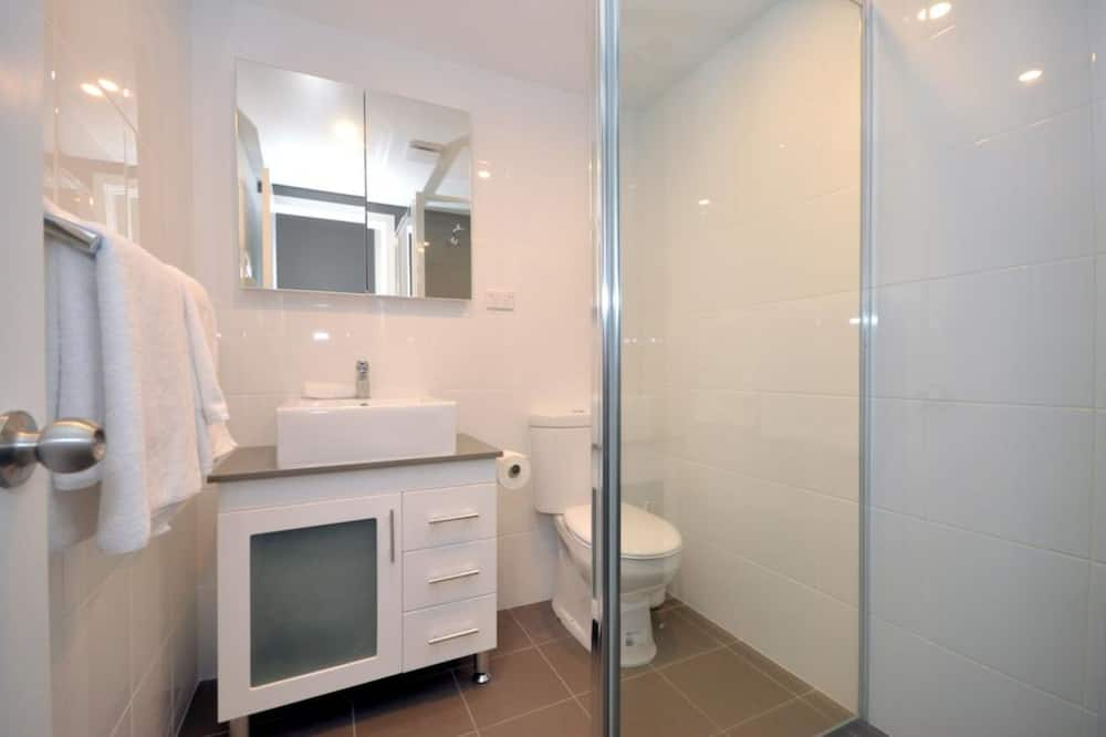 Standard Studio, Non Smoking, Kitchenette - Bathroom