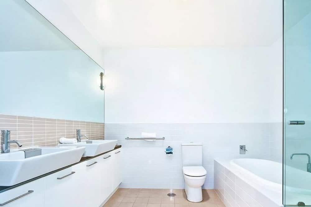 Apartament standardowy, 3 sypialnie - Łazienka