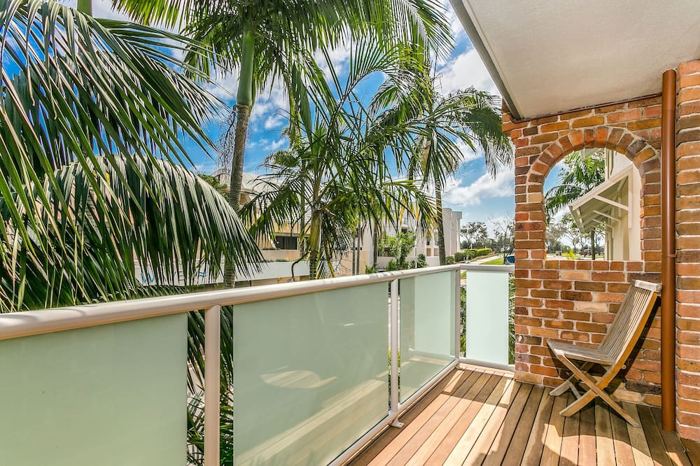 Superior Apartment, 3 Bedrooms, Kitchen - Balcony