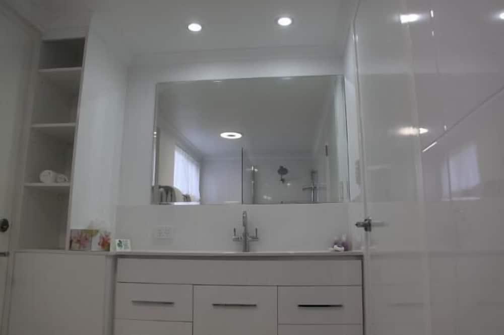 Standardzimmer, Nichtraucher (Queen Room) - Badezimmer