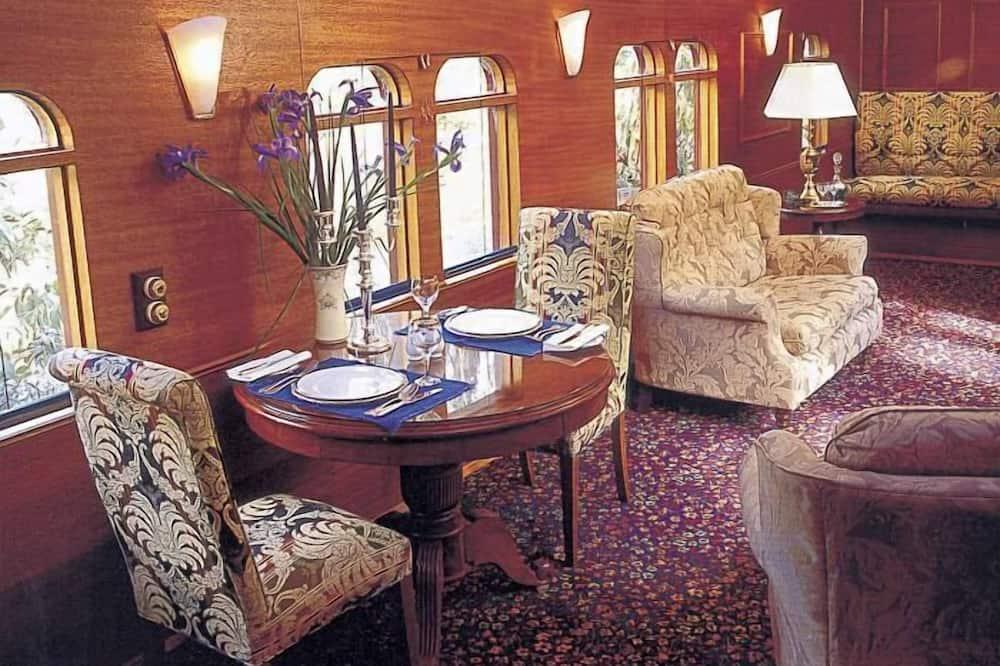 Standartinio tipo kambarys, Nerūkantiesiems, virtuvėlė (Governors Carriage) - Svetainės zona