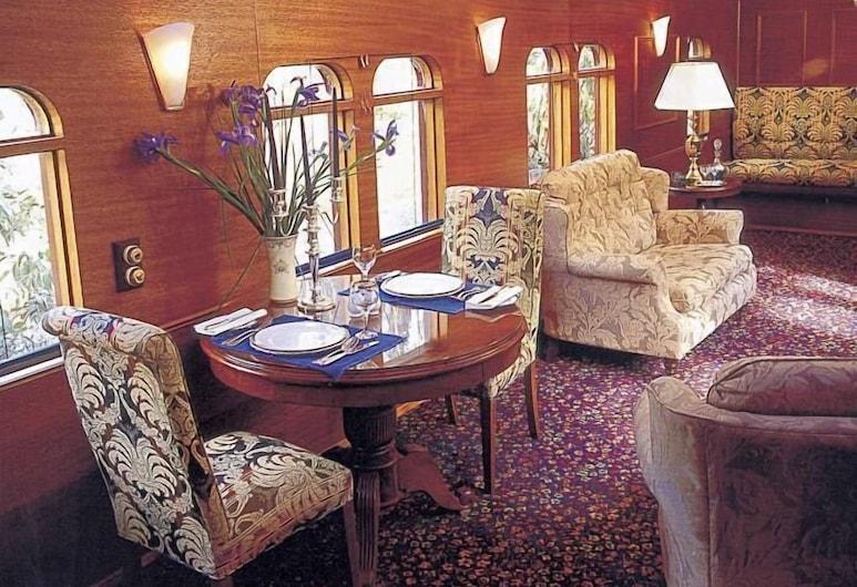End of the Line Railway Accommodation, Blampied, Habitación estándar, no fumadores, cocina básica (Governors Carriage), Zona de estar