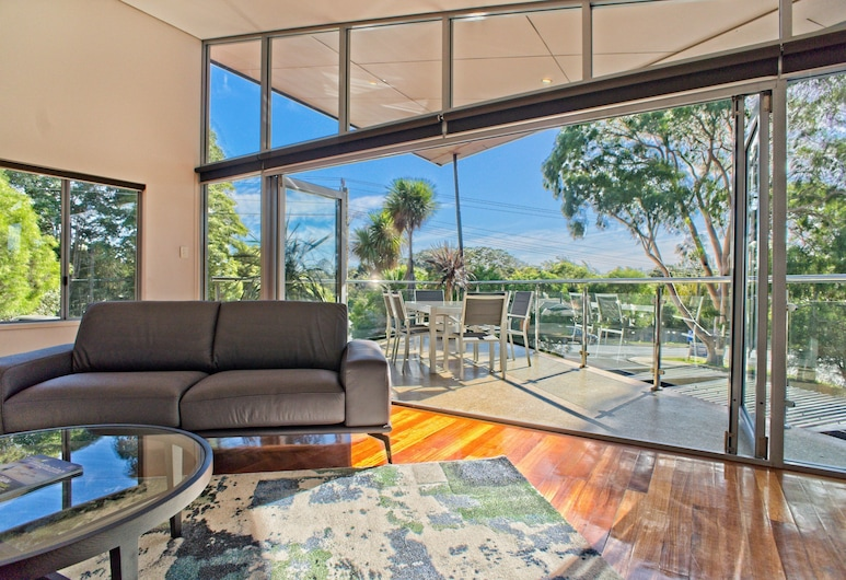 Central Avenue Apartments, Margaret River, Two Bedroom Apartment, Balcony
