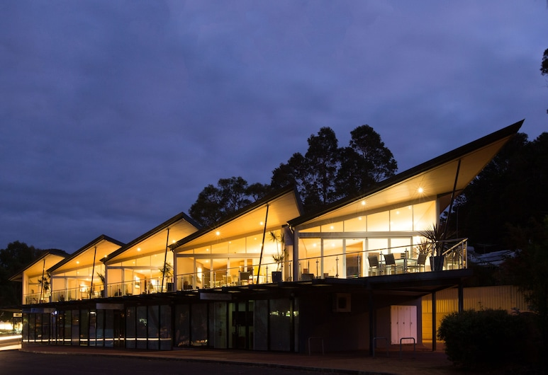 Central Avenue Apartments, Margaret River, Exterior