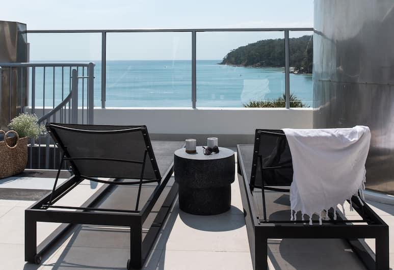 On The Beach Noosa, Noosa Heads, Beachfront Spa Studio Penthouse, Terrace/Patio