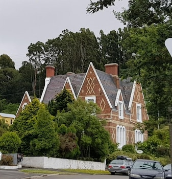 Picture of Lisburn House in Dunedin