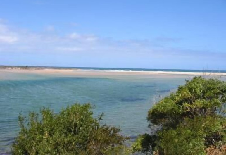 Coull Waters Holiday Apartments, Mallacoota