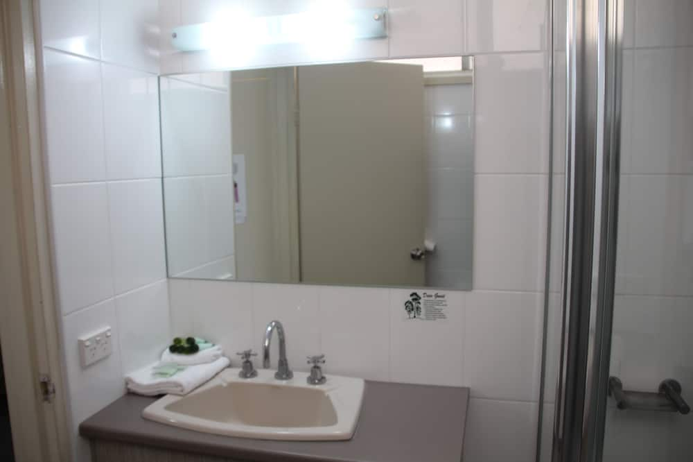 Phòng 3 cơ bản - Phòng tắm