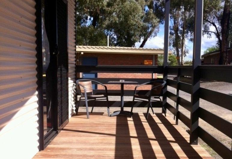 Golden Country Motel & Caravan Park, Maryborough, Apartament standardowy typu Suite, 2 sypialnie, dla niepalących, aneks kuchenny (Villa 5 Berth), Taras/patio