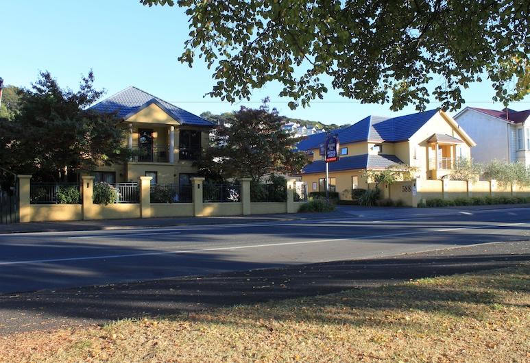 Alhambra Oaks Motor Lodge, Dunedin, Hotel Front