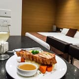 Deluxe King Room (no Pets)  - In-Room Dining