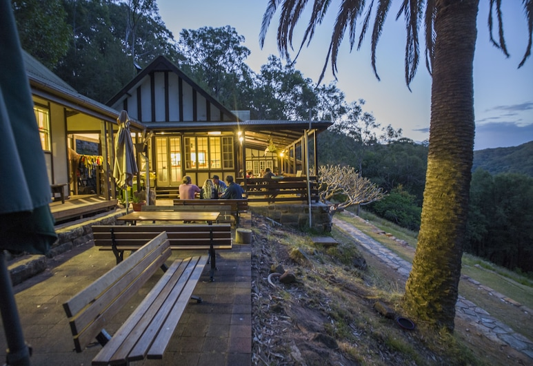 Sydney, Pittwater Eco YHA, Morning Bay, Outdoor Dining