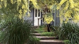 Choose this Cottages in Leura - Online Room Reservations