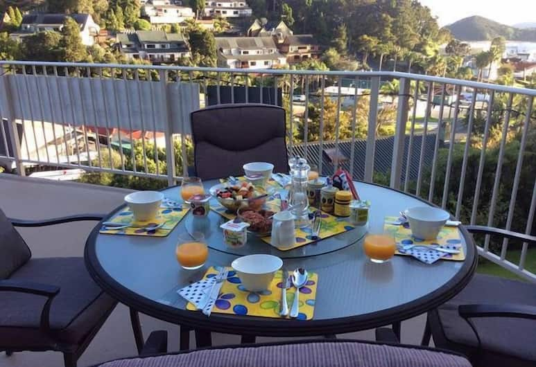 Absolute Bliss, Paihia, Bed & Breakfast Room - Room is located within owner's home, upstairs. A loft on a Mezzanine floor., Reception