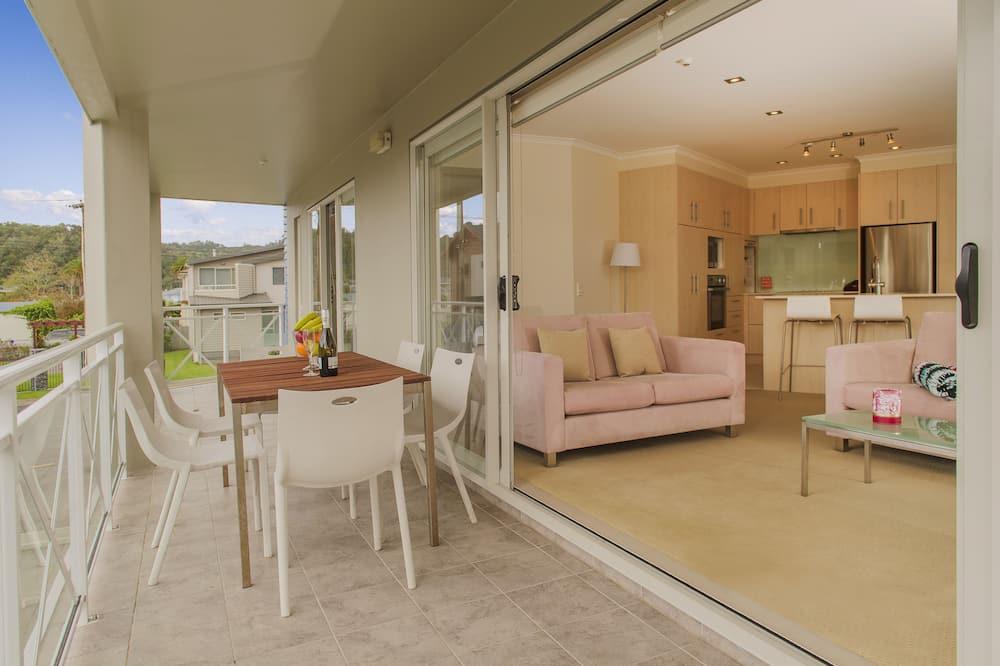 Apartment, 3 Bedrooms, Partial Sea View - Balcony