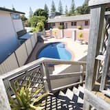 Deluxe Apartment, 2 Bedrooms, Jetted Tub, Executive Level - Balcony