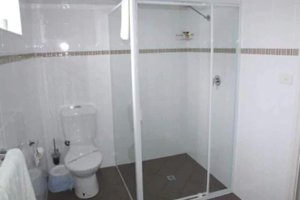 Motel Room - Bathroom